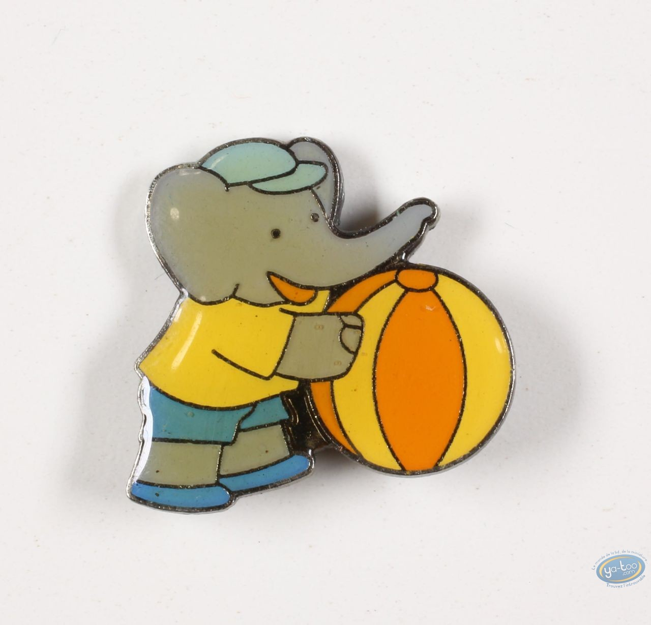 Pin's, Babar : Babar plays with a ball