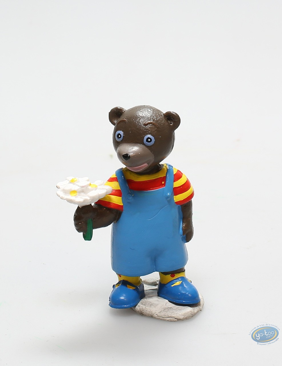 Plastic Figurine, Petit Ours Brun : little brown bear and his bunch of flowers