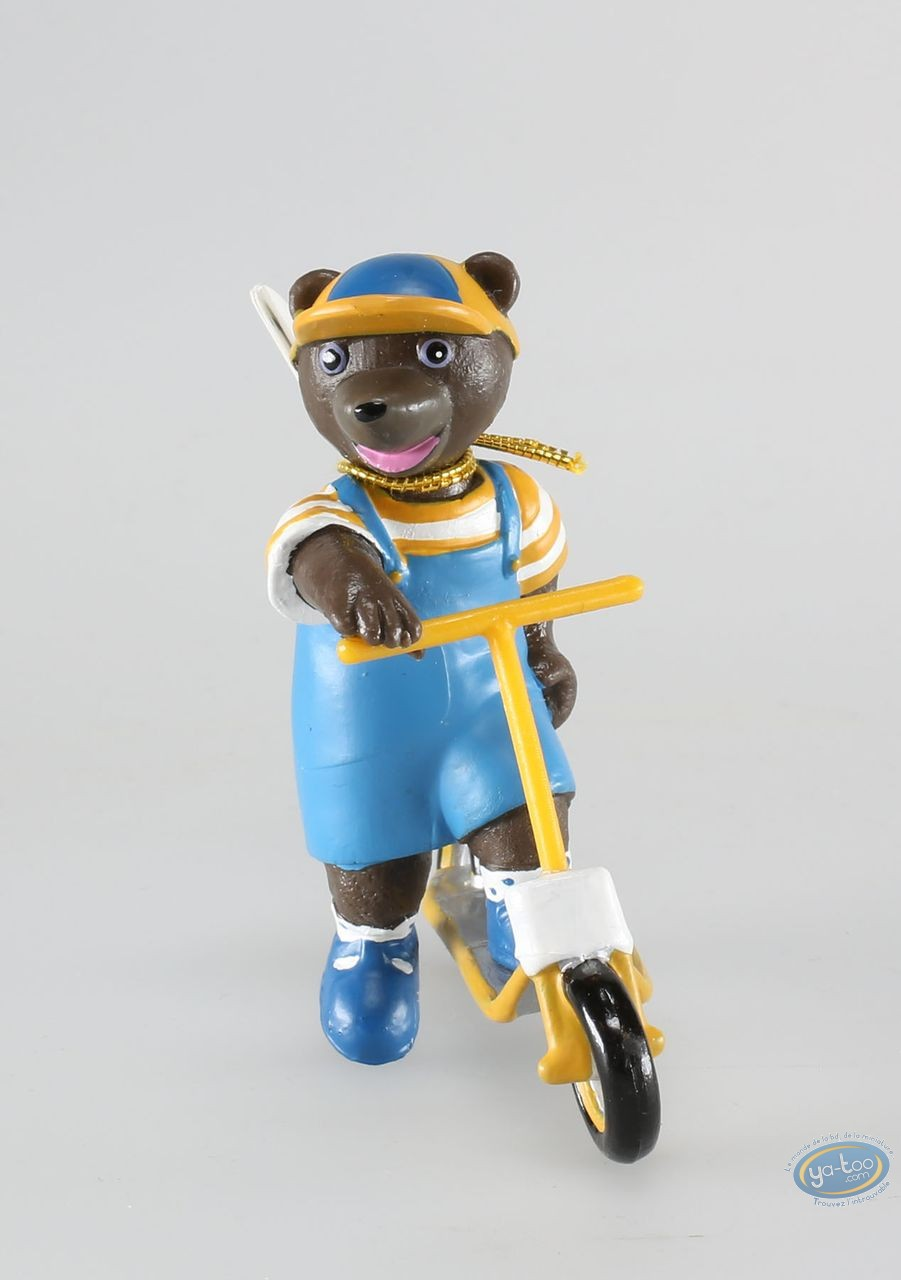 Plastic Figurine, Petit Ours Brun : little brown bear with scooter