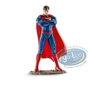 PVC Statuette, Superman : Standing Superman crossed arms