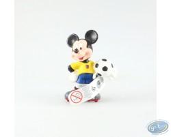 Mickey en tenue de foot, vareuse jaune, Disney