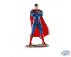 Superman debout bras croisés