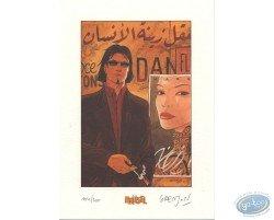 Grenson, Niklos Koda fumant devant une affiche