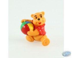 Winnie setting with his balloon, Disney