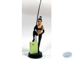 Statuette PVC femme au fouet