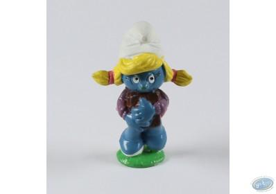 Highland Dunes Barry Artistic Ceramic Table Top Figurine