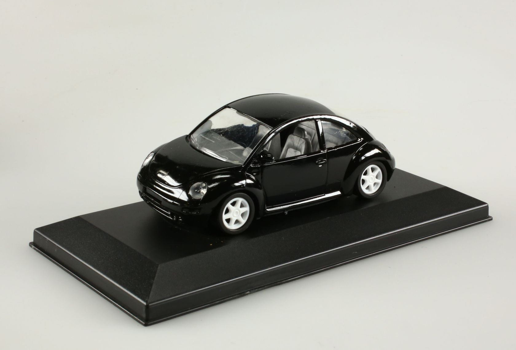 Aston Martin DB3S mit Figur  in Rosa  DINKY TOYS 104 NEU  OVP